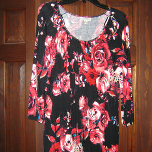 Dana Buchman Quarter Sleeve Top Red Roses